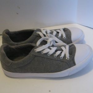 Guess Oleex Canvas Shoes - Size 8.5M - Grey
